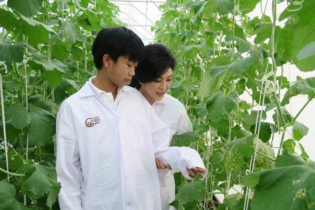Người đàn bà không tuổi - cựu Thủ tướng Thái Lan Yingluck Shinawatra ngày càng tích cực vận động tiêu dùng thực phẩm sạch, sức khỏe tốt, cuộc sống tươi đẹp.