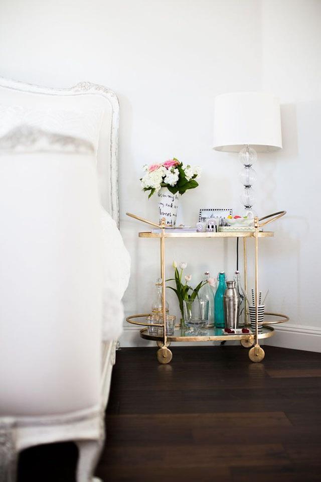 6. Sắc trắng dường như cũng trở nên trong trẻo hơn khi được sử dụng trong phòng ngủ con gái.