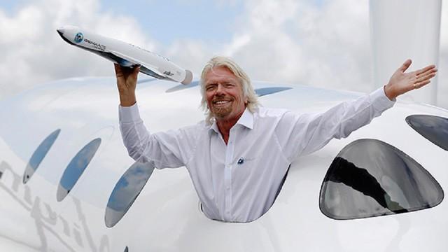 Nhà sáng lập kiêm chủ tịch Virgin Group Richard Branson dậy lúc 5 giờ 45 để tập thể dục