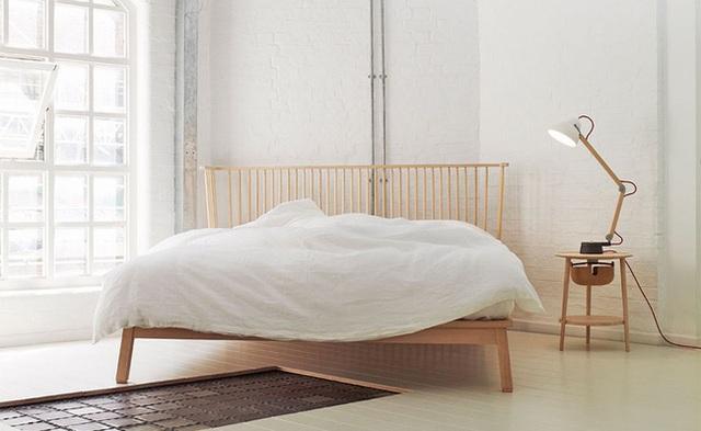 6. Ứng với chiều cao của giường ngủ, chiếc đèn ngủ để bàn cũng được lựa chọn với chiều cao tương xứng.