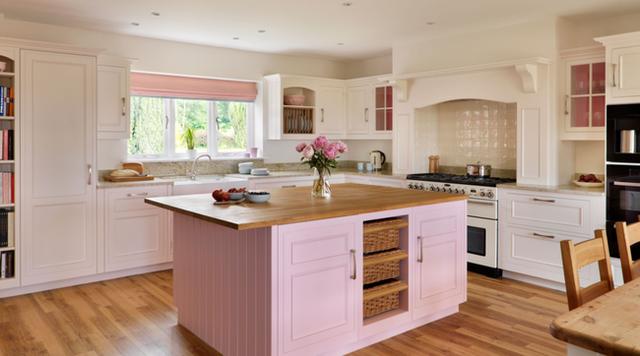 Căn bếp màu hồng phấn