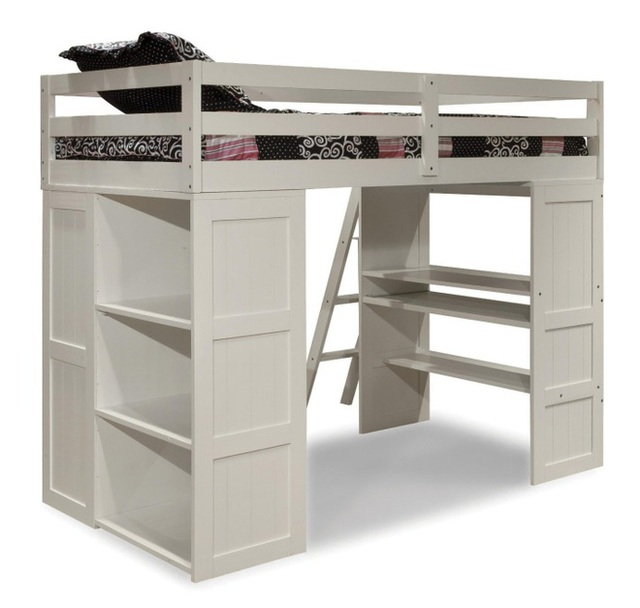 6. Với không gian phòng rộng hơn một chút, bạn có thể sắp xếp nhiều khu vực lưu trữ. Giường vẫn được bố trí phía trên, gầm giường phía dưới được tạo nên từ những ngăn kéo nhỏ và kệ xung quanh. Không những thế, bàn học được bố trí ở một phần phía dưới giường và lắp bánh răng. Khi sử dụng chỉ cần kéo bàn ra ngoài, thêm chiếc ghế là đủ để bé thoải mái cho việc học hành mỗi ngày.