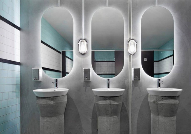 6. The hidden light behind the wall mirror also brings a high aesthetic effect for the room, and it also ensures the safety of users rather than conventional hanging lights.