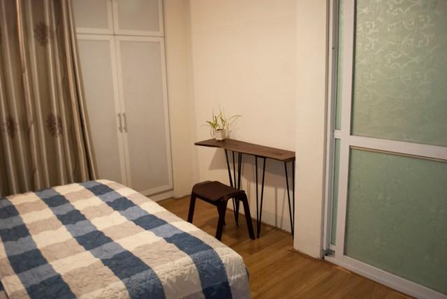 Góc phòng ngủ tạo cảm giác sang trọng hơn nhiều sau khi cải tạo lại.