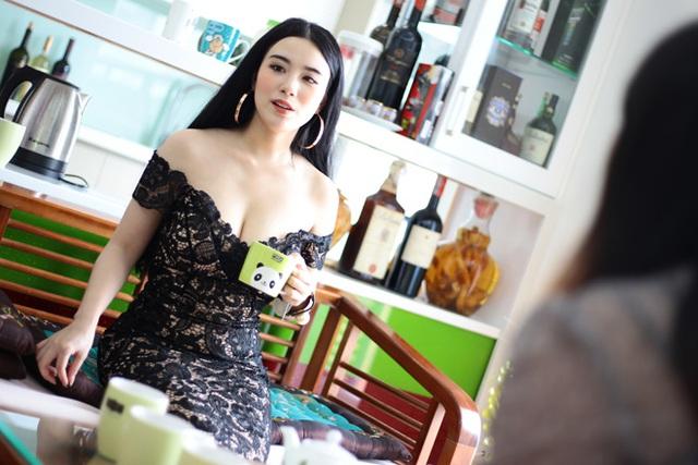Linh Miu cho hay, cô rất vui mừng vì sau nhiều năm miệt mài lao động nghệ thuật đã có thể mua được một căn nhà riêng cho mình.
