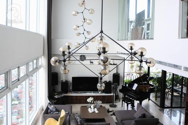 Tone màu đen - trắng và những món nội thất tinh tế làm tôn lên vẻ đẹp của căn hộ.