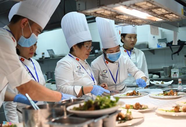 Thực phẩm được các đầu bếp tuân thủ cao nhất về nguồn gốc, xuất xứ, giấy chứng nhận rõ ràng và chất lượng thì phải đảm bảo tươi, ngon nhất.