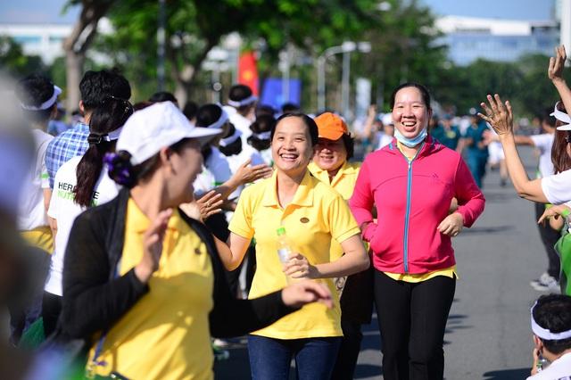 Ngày chạy đã vận động được đông đảo người tham gia, trong đó có người lao động, lực lượng quân đội, dân quân, học sinh, sinh viên, nhân viên văn phòng....
