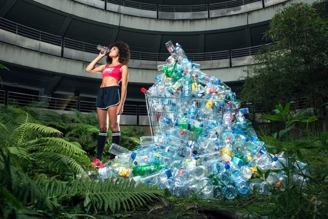 Thói quen tiêu dùng không kiểm soát chính là mối nguy hại với môi trường.