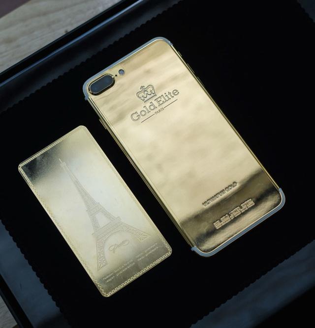 Một công ty khác cũng Gold Elite Paris, cũng có phiên bản iPhone 7 Plus của riêng mình với giá lên tới 180 triệu đồng. Đây là thương hiệu có xuất xứ Pháp nhưng do công ty Thái Lan nắm giữ và được gia công tại Hong Kong (Trung Quốc).