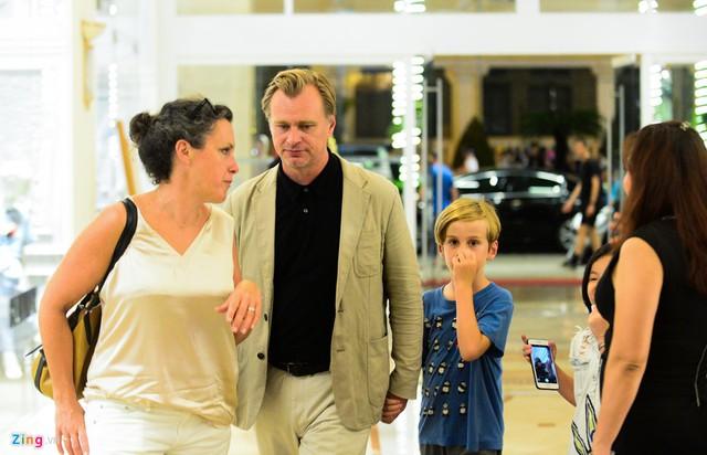 Trước khi tới Việt Nam, đạo diễn Christopher Nolan qua Hong Kong để quảng bá cho bom tấn Dunkirk và gặp gỡ người hâm mộ. Nhiều nhà phê bình cho rằng Dunkirk là phim hay nhất của Nolan và là một trong những tác phẩm chiến tranh xuất sắc nhất từ trước đến nay.