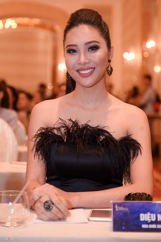 Hoa khôi Áo dài 2016 Diệu Ngọc từng có kinh nghiệm chinh chiến ở đấu trường quốc tế Miss World nhưng không đạt thành tích cao.