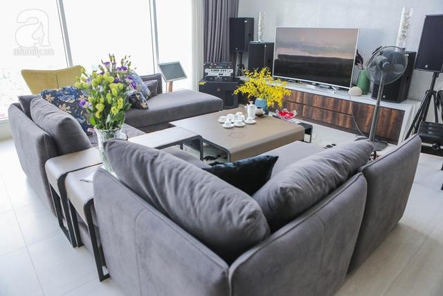 Bộ sofa nhập khẩu từ Ý đem lại cho chủ nhân sự thư giãn, thoải mái.
