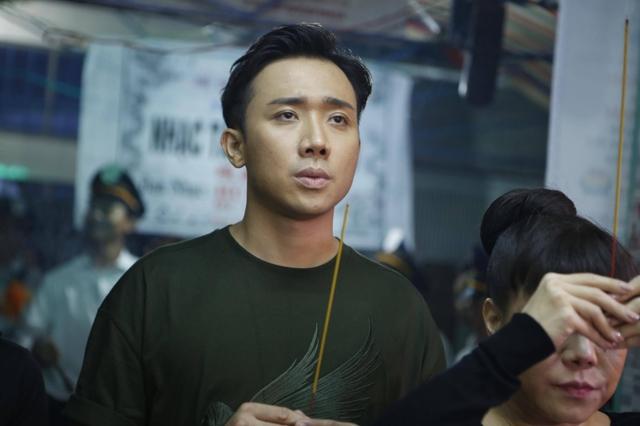 Trấn Thành từng nhiều lần nể phục tài năng của nghệ sĩ Khánh Nam ở chương trình Ơn giời, cậu đây rồi! Anh thừa nhận nam diễn viên quá cố khiến mình phải học hỏi nhiều.