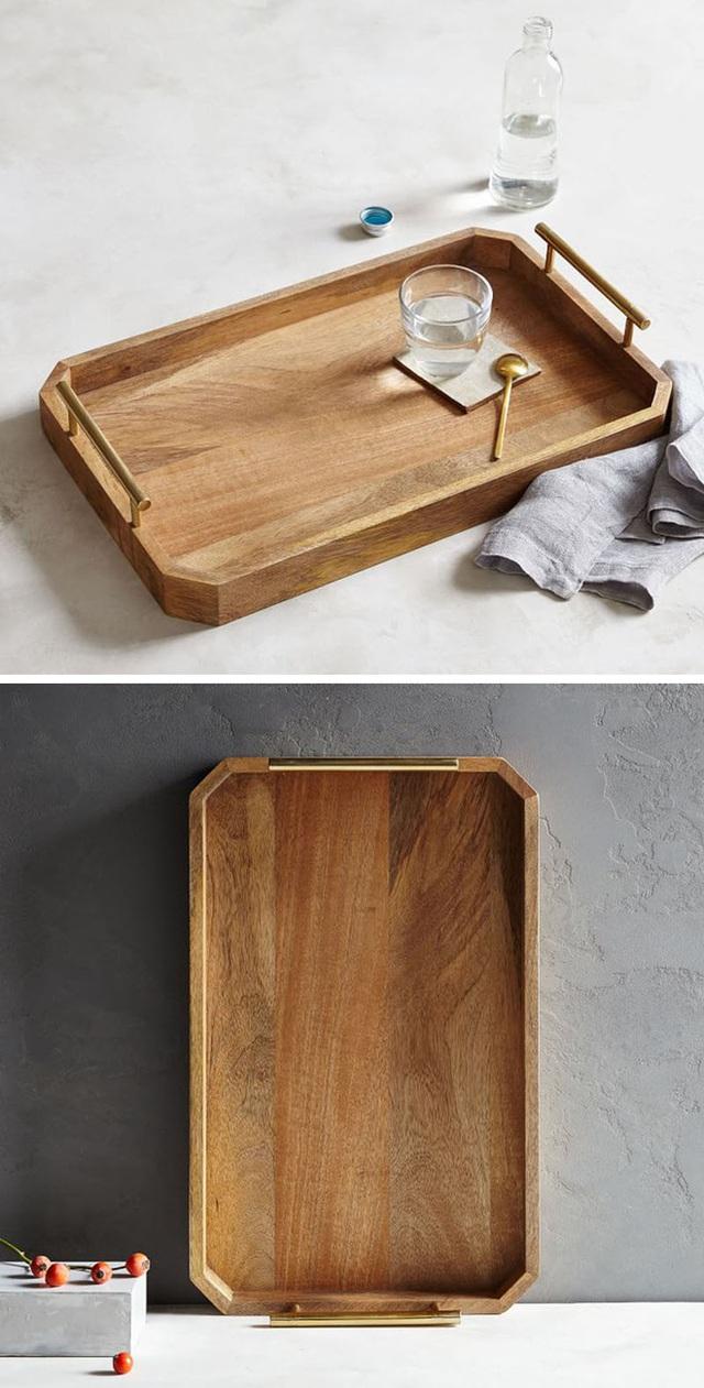 8. Thiết kế quai nắm 2 bên khiến chiếc đĩa tiện dụng với người dùng hơn rất nhiều.
