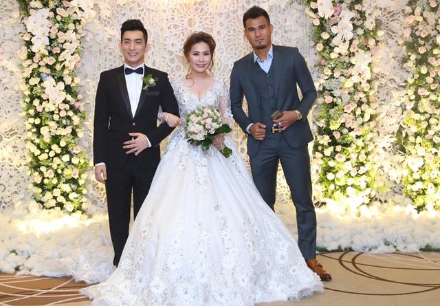 Cầu thủ Phan Thanh Bình từng động viên, an ủi Bảo Duy khi anh gặp khủng hoảng trong hôn nhân với Phi Thanh Vân.