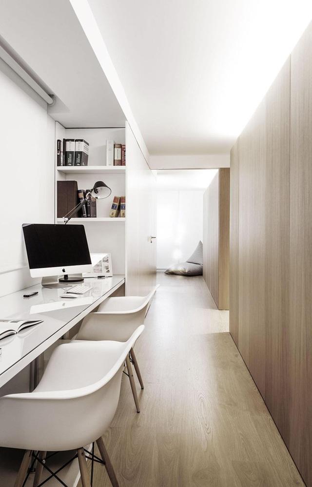 8. Những mẫu bàn làm việc có thiết kế kết hợp luôn mang đến đầy tiện lợi cho người dùng, đặc biệt là một không gian làm việc đôi như thế này.