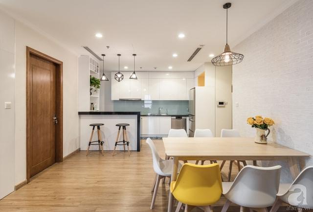 Không gian ăn uống kết nối với phòng bếp.