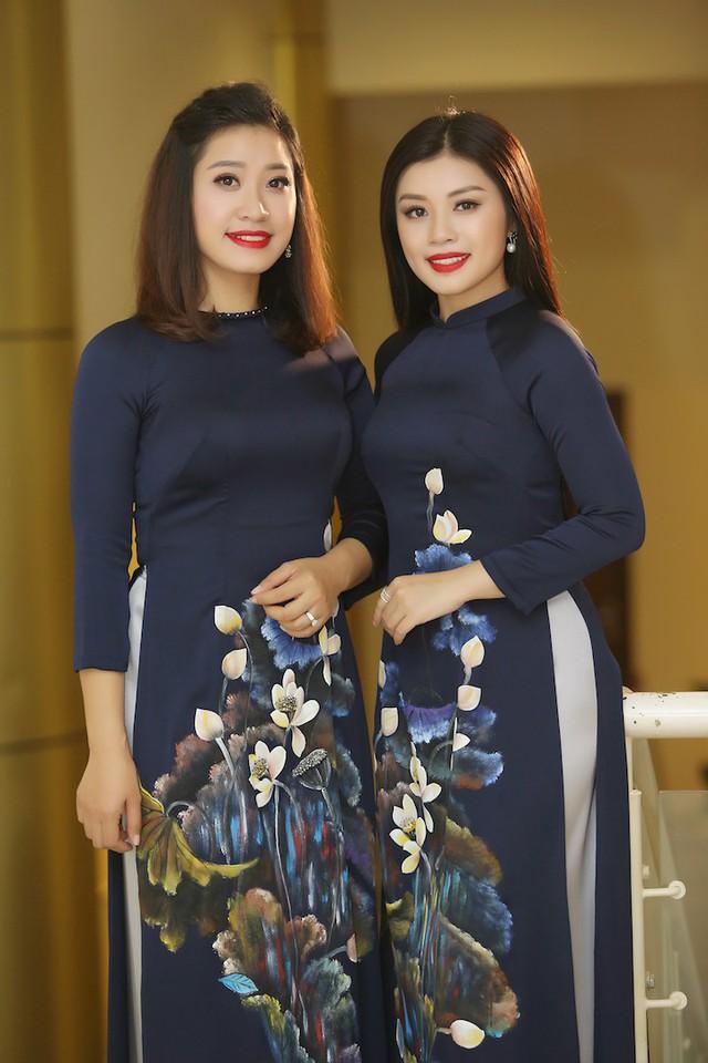 Hai chị em sao mai Thu Hằng - Bích Hồng.