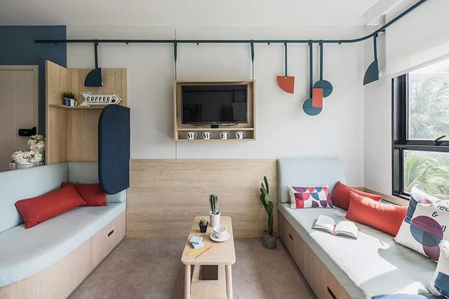 Thiết kế tận dụng khoảng trống dưới ghế nằm làm tủ chứa đồ tiện lợi.
