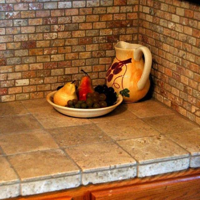 Xi măng có thể sẽ khó làm sạch hơn, nhưng gạch xi măng thì lại không hề khó, hơn nữa chúng lại có thể tạo nét đẹp rất lạ cho góc bếp nhà bạn.