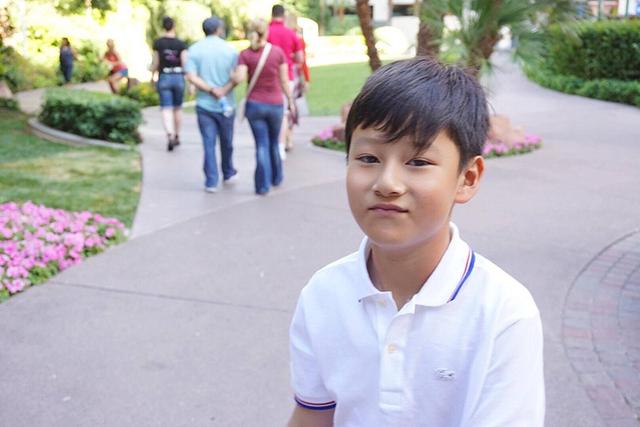 Bảo Nam càng lớn càng ra dáng hot boy. Không chỉ giống ca sĩ Quang Dũng về ngoại hình, cậu nhóc cũng trầm tính như bố.