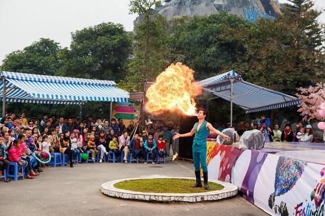 Biểu diễn múa lửa siêu cuốn hút