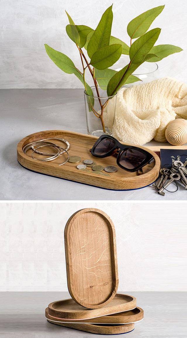 9. Một công dụng mà bạn có thể khai thác từ những chiếc đĩa gỗ này đó chính là dùng để lưu trữ những vật dụng nhỏ như kính mắt, còng tay, khuyên tai…