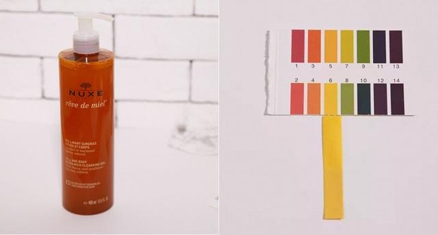NUXE Honey Cleansing Gel (350.000VNĐ/200ml) có độ pH 6 với thành phần chứa đến 93% các chiết xuất tự nhiên, đây là sản phẩm tẩy trang kiêm rửa mặt phù hợp với da khô, da nhạy cảm.