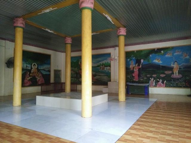 Căn phòng khoảng 60m2 là nơi sinh hoạt của 22 đứa trẻ tại Tịnh xá.
