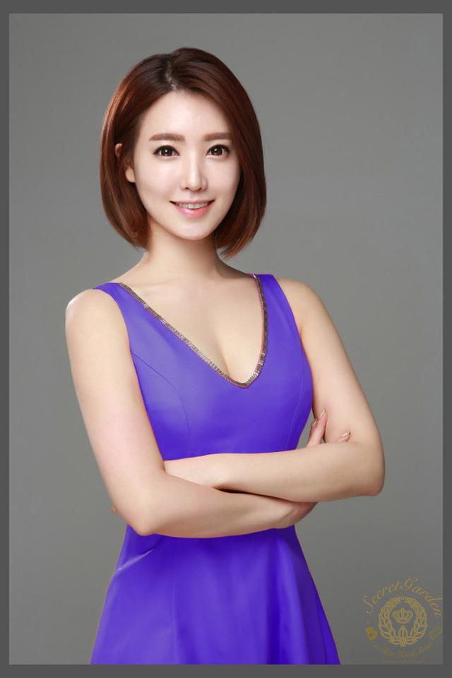 Ha Na tham gia khá nhiều show truyền hình ở thời điểm hiện tại.