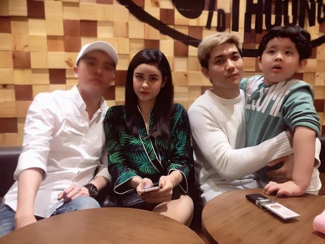Trương Quỳnh Anh hẹn hò với Tim chỉ 2 tuần sau tuyên bố chính thức ly hôn.