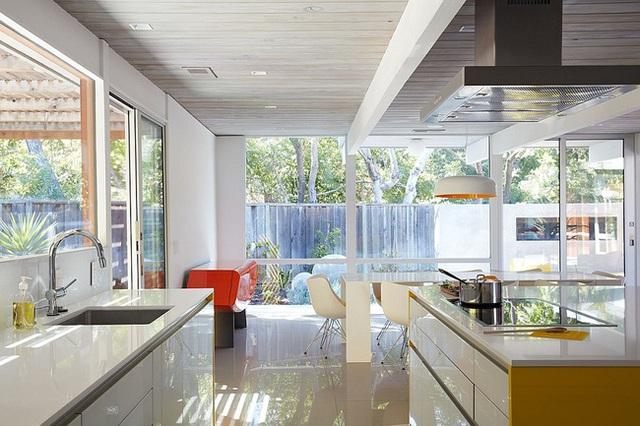 Sự sạch sẽ, đơn giản, hiện đại toát lên từ phong cách và các đồ nội thất khiến người xem phải trầm trồ khen ngợi.