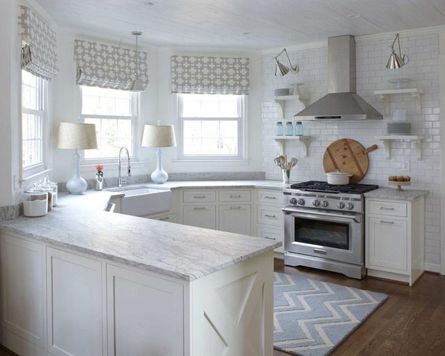 Những mẫu hoa văn đơn giản luôn dễ phối và đặt trong bất kỳ nội thất nào cũng đẹp. Bạn có thể học theo và ứng dụng cho không gian nhà bếp của mình nhé.