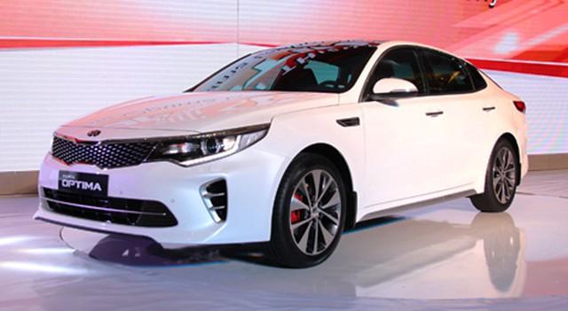 Giá mẫu xe sedan hạng D Kia Optima 2.0 AT sản xuất năm 2016 chỉ còn 719 triệu đồng.