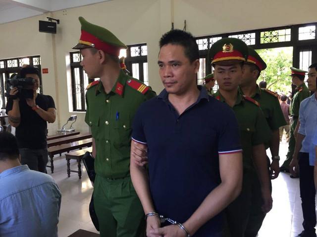 Chân dung kẻ nhắn tin đe dọa Chủ tịch tỉnh Bắc Ninh tại tòa. Ảnh: CTV