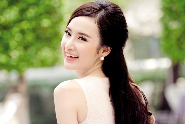 Nữ diễn viên Angela Phương Trinh.     Ảnh: TL