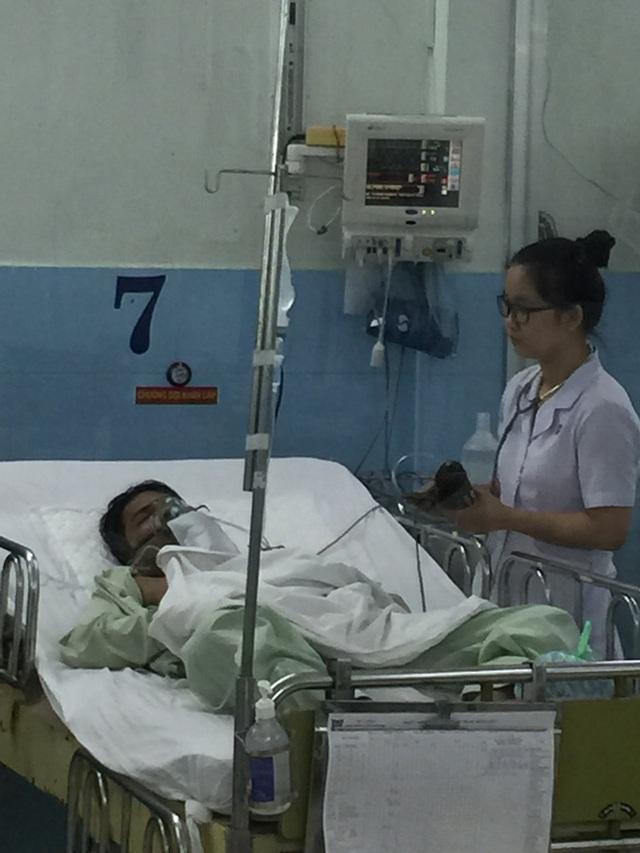 Nạn nhân vụ rò khí amoniac ở TP HCM điều trị tại Bệnh viện. Ảnh: TL