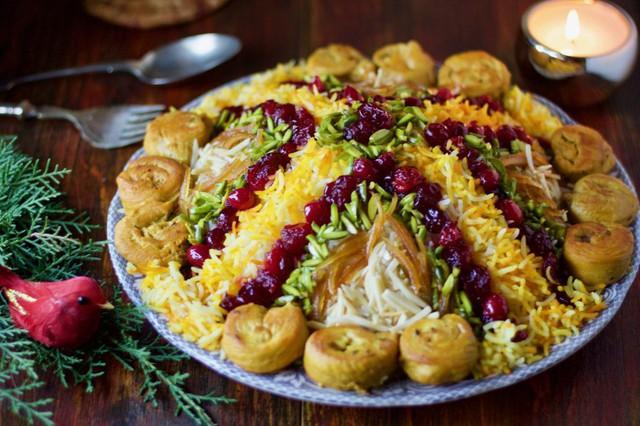 Nhụy hoa nghệ tây sau khi tẩm ướp cùng đồ ăn sẽ khiến cho đồ ăn trở lên vô cùng bắt mắt.