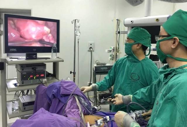Ca phẫu thuật giúp bệnh nhân K. thụ thai bình thường. Ảnh: T.Thiêm