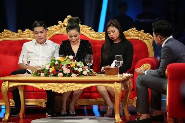 """Diễn viên Lê Giang """"tố"""" chồng cũ bạo hành: Ai là người thiệt thòi nhất?"""