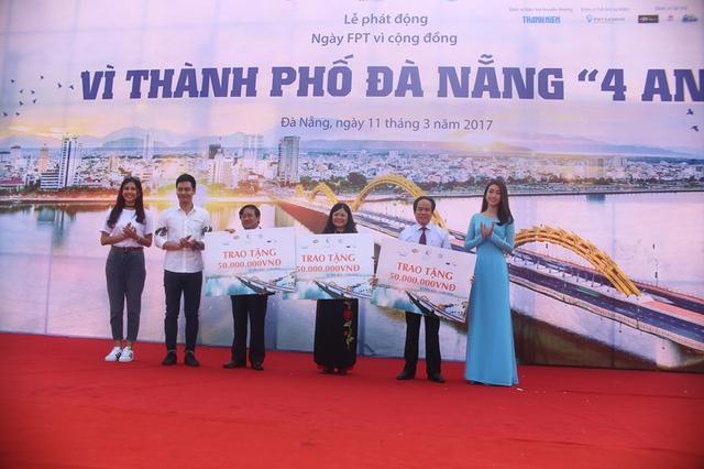 Sứ giả chương trình gồm Hoa hậu Việt Nam 2016 Đỗ Mỹ Linh, MC Phan Anh và Top 25 Hoa hậu Thế giới 2014 Nguyễn Thị Loan trao tặng 150 triệu cho Hội Bảo trợ Phụ nữ và Trẻ em nghèo bất hạnh thành phố Đà Nẵng.