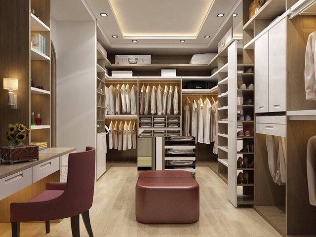 Riêng một phòng quần áo giày dép hàng hiệu