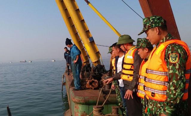 Lãnh đạo tỉnh Quảng Ninh chỉ đạo lực lượng chức năng chỉ đạo trục vớt tàu du lịch gặp nạn