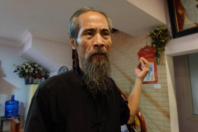 Nghệ sĩ Chu Hùng kêu cứu vì 3 năm không có điện nước. Ảnh:TL