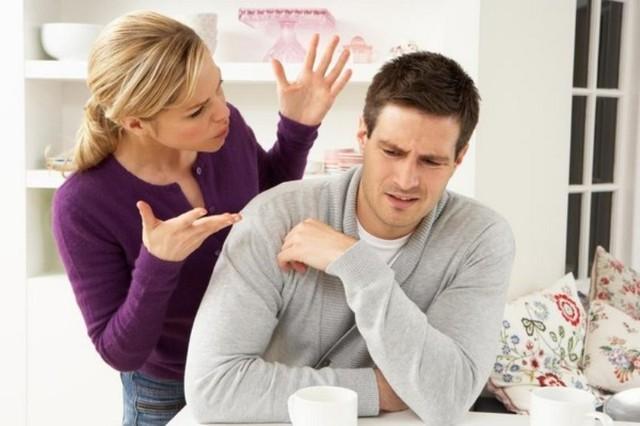 Thiếu hụt Estrogen không chỉ hủy hoại cuộc sống của chị em phụ nữ mà ảnh hưởng cả những thành viên trong gia đình. Ảnh minh họa