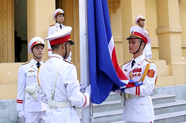Lễ thượng cờ ASEAN sáng 8/8 tại Thủ đô Hà Nội. Ảnh Hải Minh