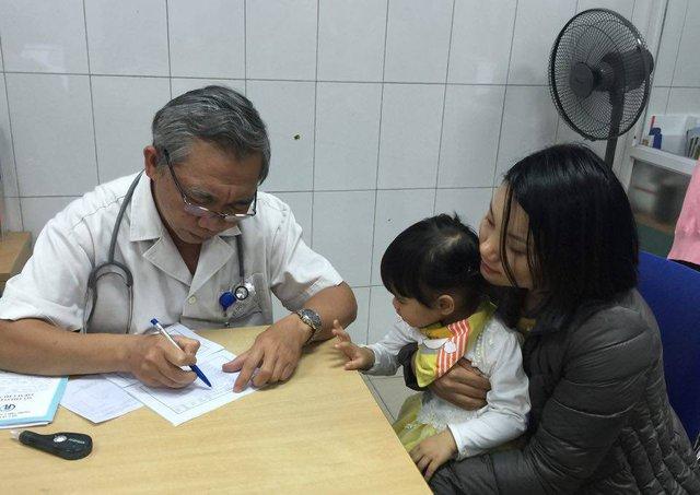Khám, tư vấn sức khỏe tại Trung tâm Y tế dự phòng Hà Nội. Ảnh: V.Thu