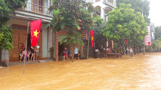 Một số khu vực ở huyện Sơn Dương, tỉnh Tuyên Quang đã rơi vào cảnh ngập lụt do mưa to vào sáng nay (25/8). Ảnh Đào Thanh