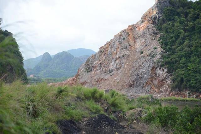 Việc khai thác đá đã được đơn vị Lữ đoàn 170 Hải quân tạm dừng. Ảnh: Q.Nguyễn
